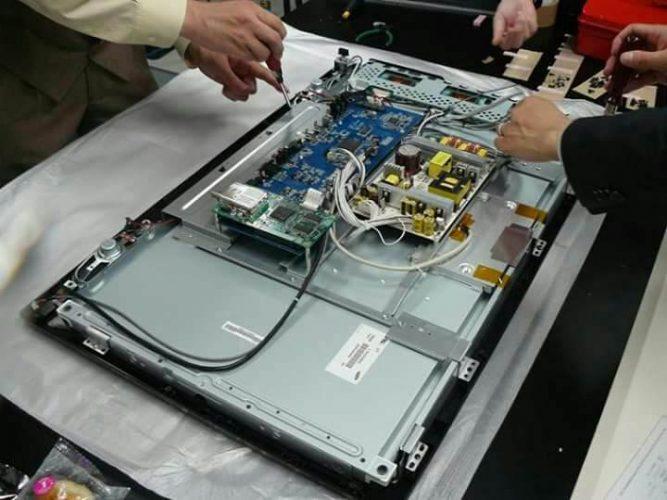 دورة-صيانة-شاشات-الكمبيوتر-صيانة-شاشات-lcd-و-led