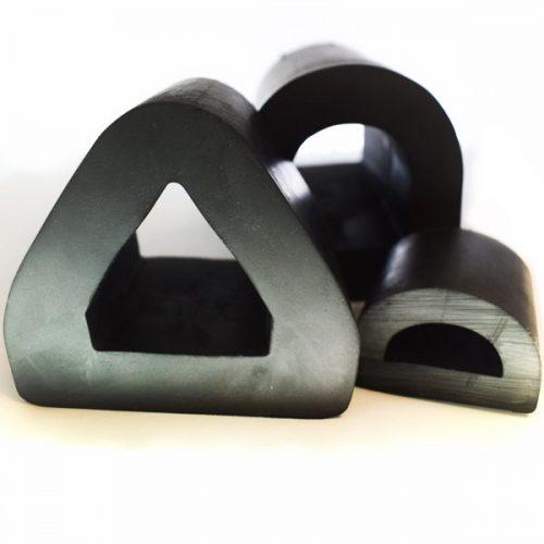 تصنيع-وتوريد-مصدات-شكل-الدلتا-للاستخدام-في-الأسواق-البحرية-والصناعية-وأغراض-مختلفة1