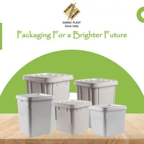 إنتاج-عبوات-بلاستيك-مربعة-بسعات-مختلفة-١٢-١٤-٢٠-لتر-،-تستخدم-فى-قطاعات-الأغذية