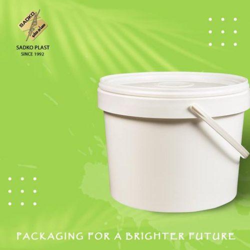 تصنيع-علب-بلاستيك-مدورة-بسعات-مختلفة-من-شركة-صادكو-بلاست
