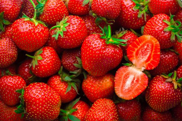 انتاج-بيوريه-الفراولة-من-أجود-ثمار-الفراولة-الطازجة-من-شركة-المروة
